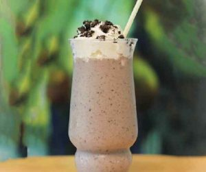 Cookies and Cream Yogurt Smoothie
